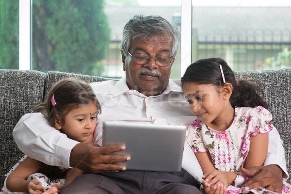 Nagyapa portré indiai családi otthon nagyszülő unokák Stock fotó © szefei