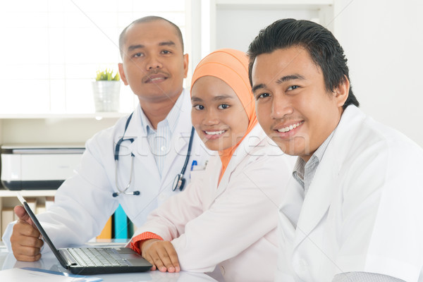 Сток-фото: медицинской · команда · больницу · служба · обсуждать