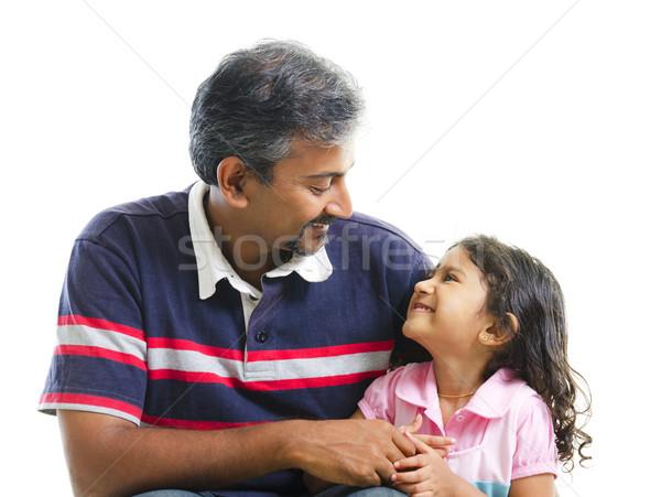 Szeretet ázsiai indiai apa párbeszéd lánygyermek Stock fotó © szefei