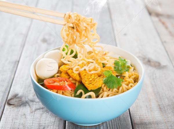 Hot pikantny curry natychmiastowy pałeczki do jedzenia Zdjęcia stock © szefei