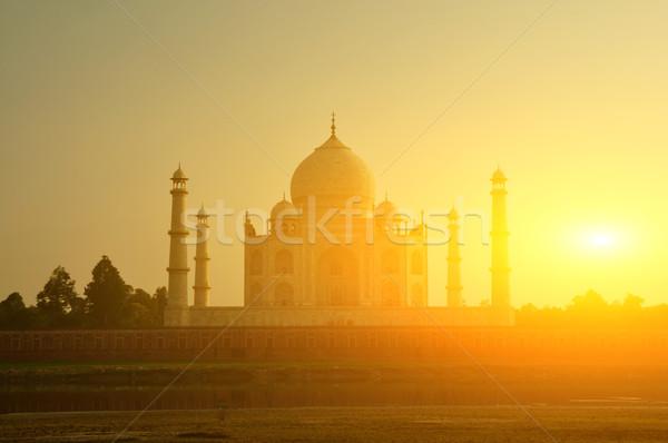 Taj Mahal naplemente kilátás égbolt víz szeretet Stock fotó © szefei