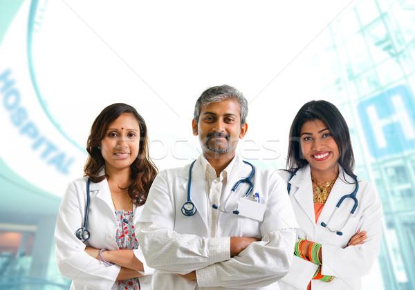 Hint tıbbi takım doktorlar grup erkek Stok fotoğraf © szefei