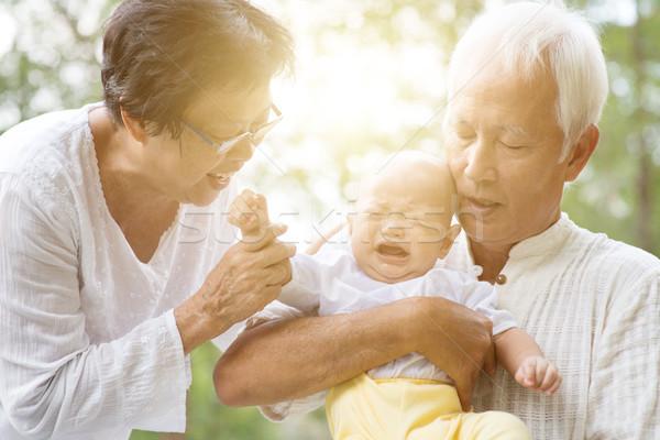 Dede büyükanne torun açık havada torun dedesi Stok fotoğraf © szefei