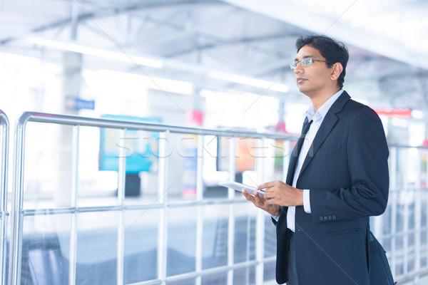 Сток-фото: человека · железнодорожная · станция · азиатских · индийской · бизнесмен
