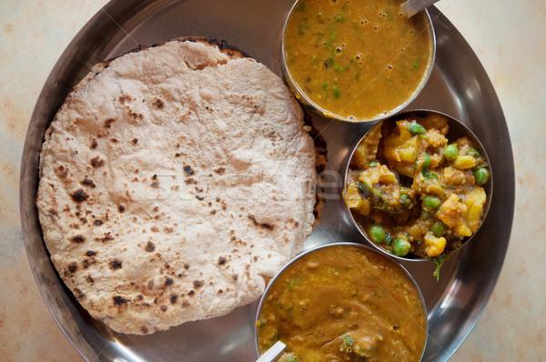 Comida indiana tradicional vegetariano servido pequeno Foto stock © szefei