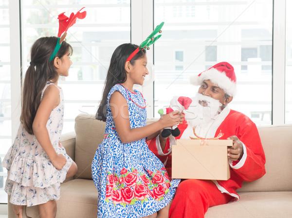 ázsiai indiai család ünnepel karácsony nap Stock fotó © szefei