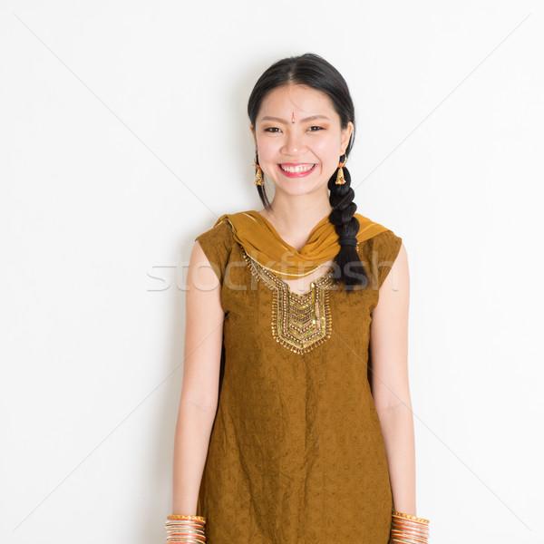 Indian cinese femminile ritratto giovani Foto d'archivio © szefei