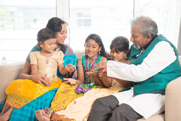 Boldog indiai családi otthon portré család szórakozás Stock fotó © szefei