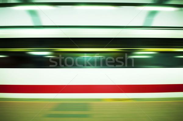 Foto d'archivio: Veloce · treno · movimento · luce · tecnologia · metropolitana