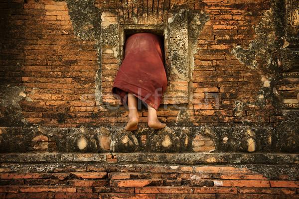 Buddhistisch Anfänger Mönch Klettern Kloster jungen Stock foto © szefei