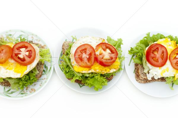 Oeuf sandwich fraîches plaque rangée alimentaire Photo stock © szefei