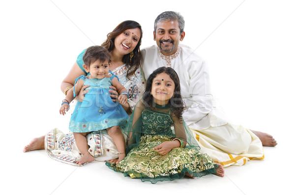 Indiai család boldog ül fehér lány Stock fotó © szefei