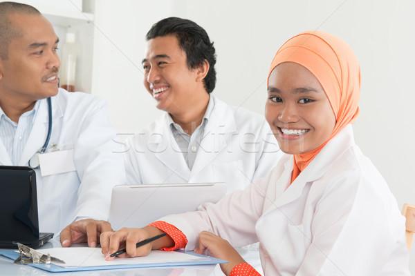 Stok fotoğraf: Asya · doktorlar · toplantı · hastane · ofis · tıbbi