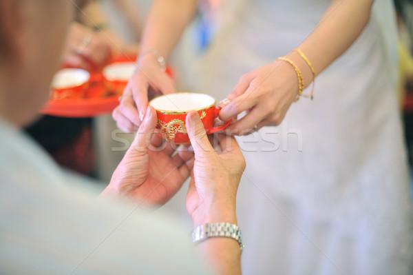 Chino boda té ceremonia manos Foto stock © szefei