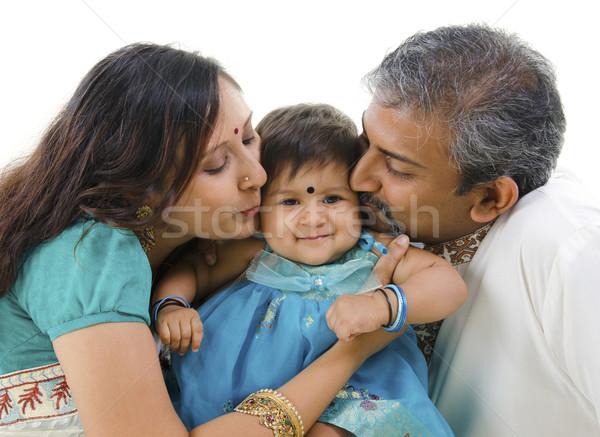 любящий поцелуй индийской родителей дочь изолированный Сток-фото © szefei