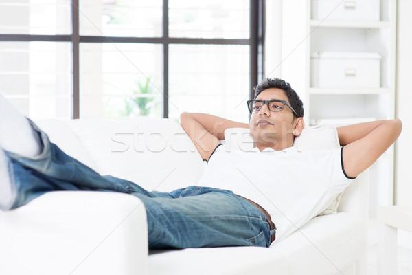 álmodozás indiai fickó pihen otthon ázsiai Stock fotó © szefei