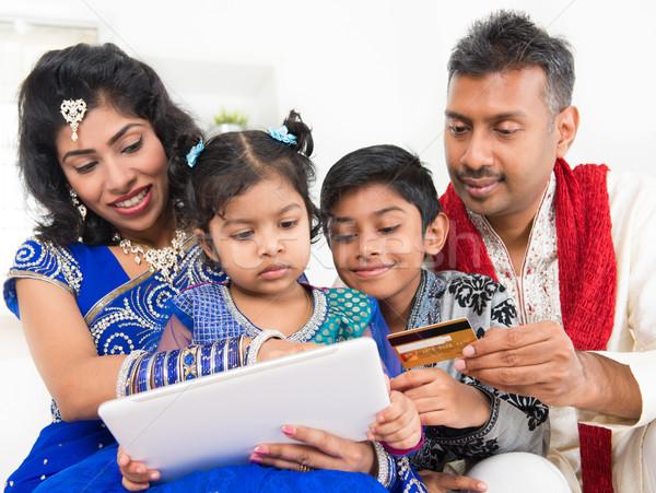 Stockfoto: Indian · asian · familie · online · winkelen · creditcard · digitale
