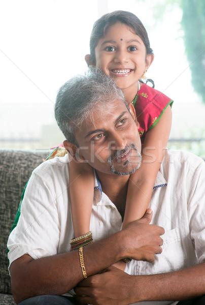 Indian padre figlia felice casa di famiglia asian Foto d'archivio © szefei