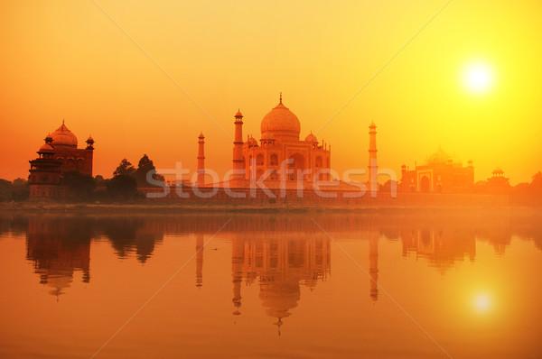 Taj Mahal Inde sept ciel eau amour Photo stock © szefei