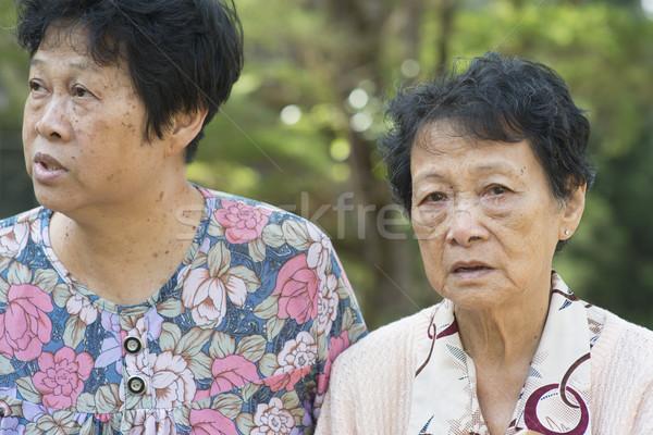 Asia ancianos mujeres hablar aire libre franco Foto stock © szefei