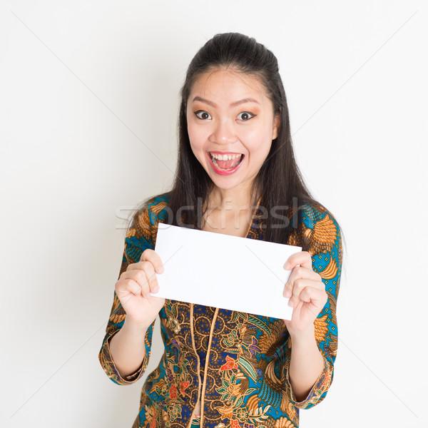 Sudeste asiático mulher mão branco Foto stock © szefei