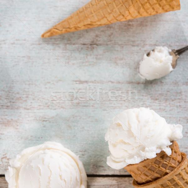 Branco sorvete hóstia cone topo ver Foto stock © szefei