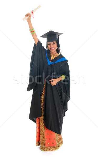 Egészalakos indiai egyetemi hallgató teljes alakos boldog érettségi Stock fotó © szefei
