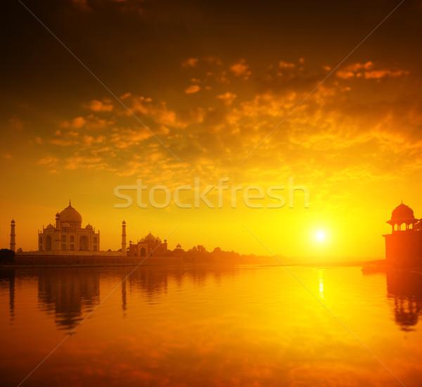 Taj Mahal India puesta de sol dorado amor paisaje Foto stock © szefei