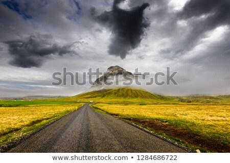 pradera · carretera · nubes · de · tormenta · saskatchewan · Canadá · campo - foto stock © pictureguy