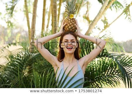 Piękna kobieta bikini tropikalnych pozostawia kobieta sexy Zdjęcia stock © Nejron