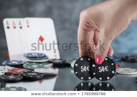 mulher · jogos · de · azar · vermelho · tabela · bastante · mulher · jovem - foto stock © imarin