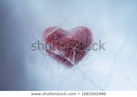 Congelés amour rouge coeur cool froid Photo stock © Stocksnapper