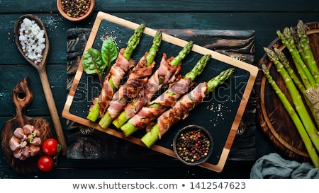 szalonna · spárga · fából · készült · étterem · vacsora · piros - stock fotó © racoolstudio