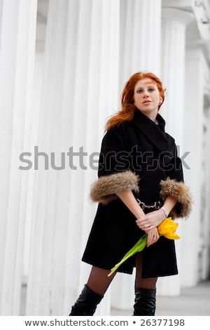 Outdoor portret mooie jonge vrouw kolom Stockfoto © traza