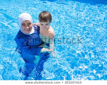 Foto d'archivio: Muslim · ragazza · speciale · nuoto · suit · acqua