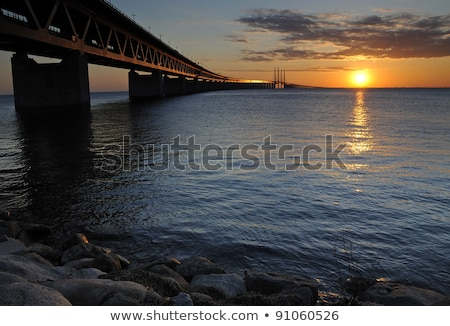 Felsen Meer Brücke groß Ufer Seenlandschaft Stock foto © stevanovicigor
