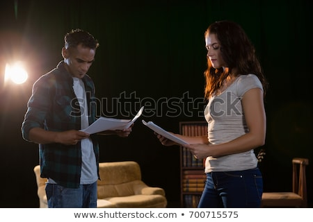 Olvas színpad színház nő papír piros Stock fotó © wavebreak_media