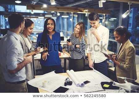multicultural · amigos · mapa · foco · sorridente - foto stock © lightfieldstudios