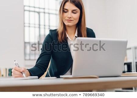 女性実業家 作業 ノートパソコン ビジネス コンピュータ 女性 ストックフォト © Minervastock