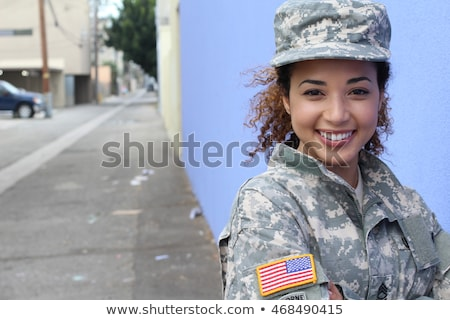 Stok fotoğraf: Genç · kadın · askerler · poz · silahlar · yalıtılmış · beyaz