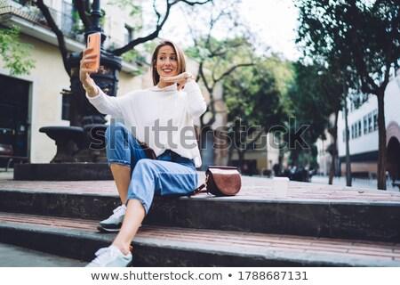 портрет · серьезный · старуху · глядя · камеры · рук - Сток-фото © flareimage