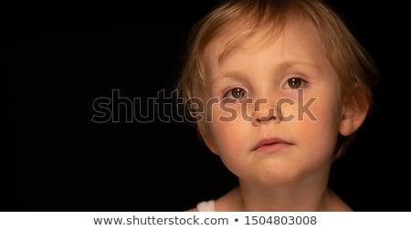 imádnivaló · kislány · komoly · arc · külső · kamera - stock fotó © feedough