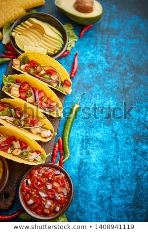 Mexikói taco tyúk hús jalapeno friss zöldségek Stock fotó © dash