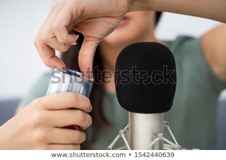 Vrouw opening kan microfoon meisje Stockfoto © AndreyPopov