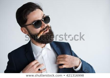 あごひげを生やした · ファッション · 男 · サングラス · 側面図 - ストックフォト © feedough
