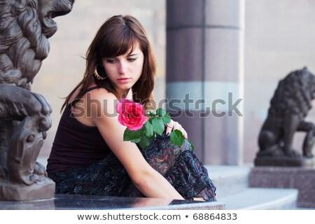 tristeza · menina · rosa · caminhada · outono · parque - foto stock © mikko