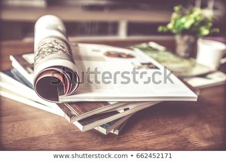 Stockfoto: Tijdschriften · tabel · lezing · print