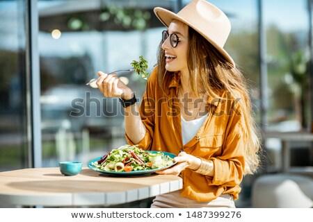 mutlu · işkadını · sağlıklı · beslenme · salata · portre · ofis - stok fotoğraf © wavebreak_media