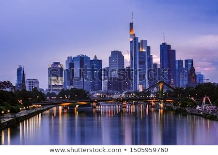 Horizonte Frankfurt noche nubes rascacielos negocios Foto stock © meinzahn