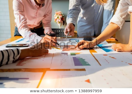 Stockfoto: Investering · plan · vergrootglas · business